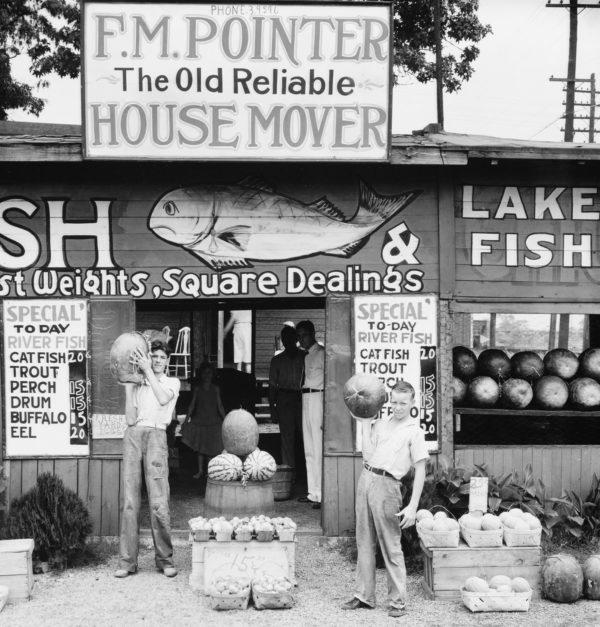Walker Evans, Roadside Stand Near Birmingham, 1936